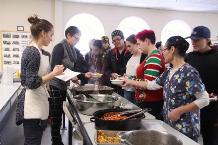 Iqaluit high school cooks up free-lunch program