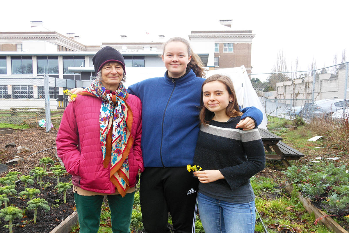 Horticultural Society's support the latest boost to Vic High garden